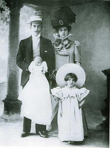 Ignazio Floro jr, la moglie Franca e i figli Giovanna e Ignazio detto baby-boy