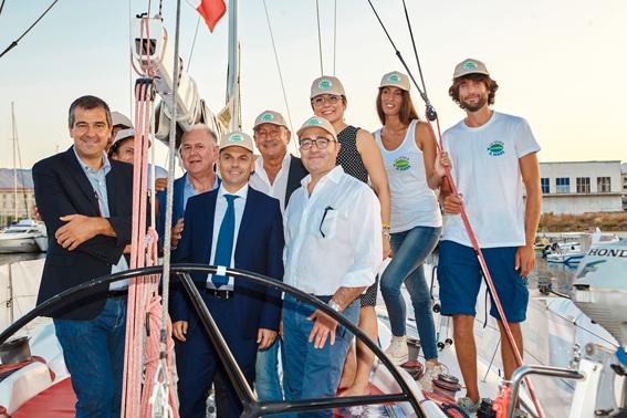 Dario Cartabellotta, Manfredi Barbera, Edy Bandiera e Alessandro Chiarelli con l'equipaggio