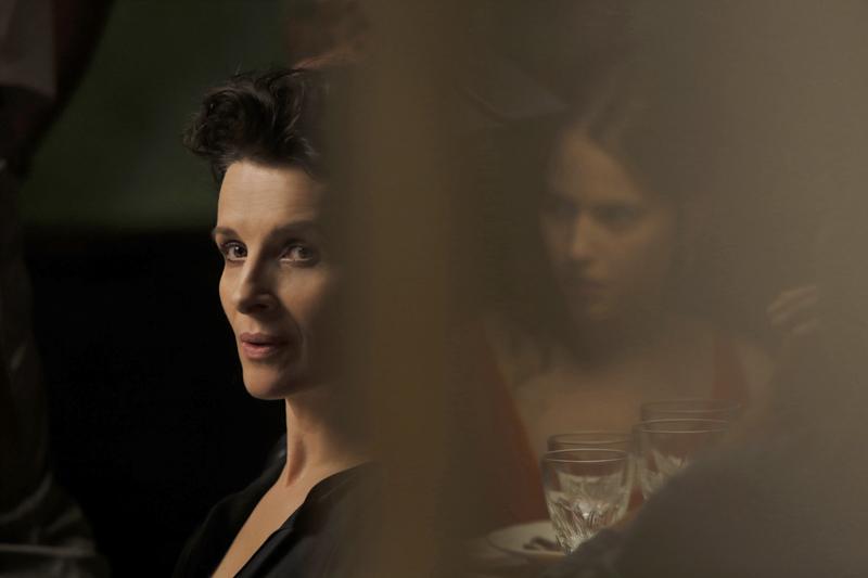 Juliette Binoche e Lou De Laâge