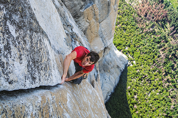Alex Hannold scala El Captain (foto di Jimmy Chin)
