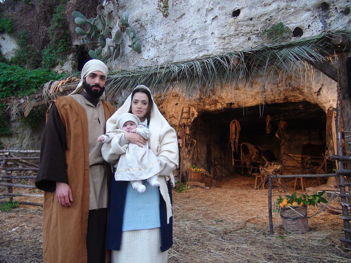 La Sacra famiglia del presepe vivente di Ispica