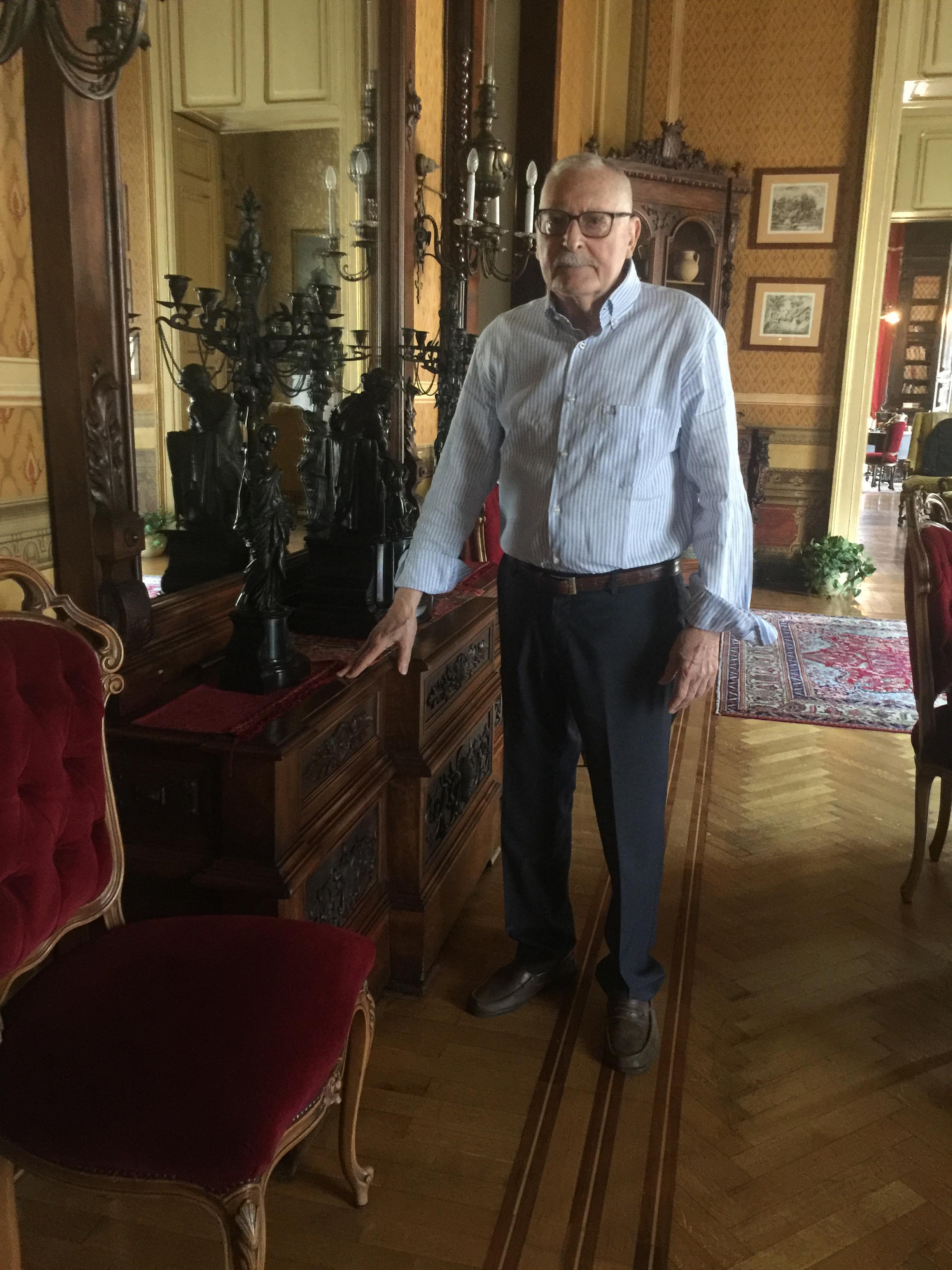 Placido Petino nella sua casa al centro di Catania
