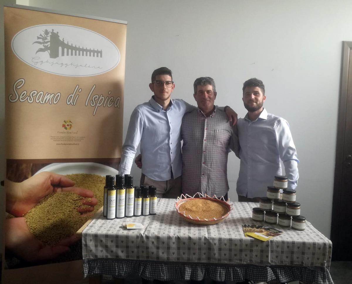 Da sinistra Simone, Antonino e Salvatore Gambuzza