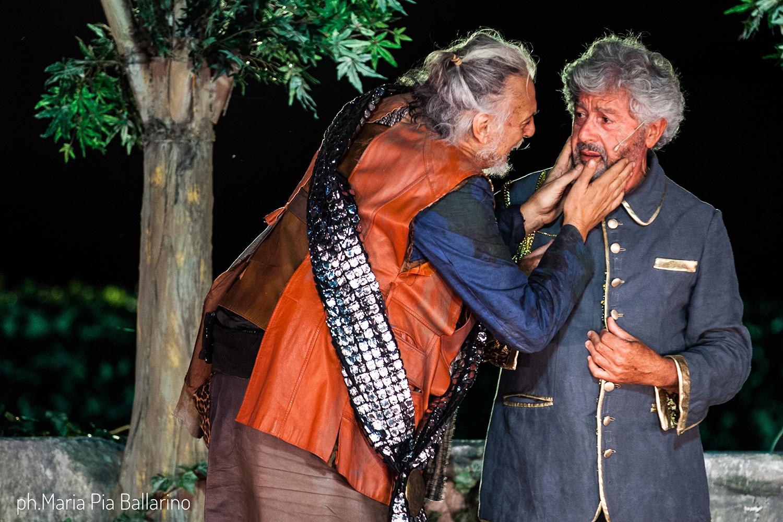 Gigio Alberti (Paflagone) e Antonio Catania (Demo), foto di Maria Pia Ballarino
