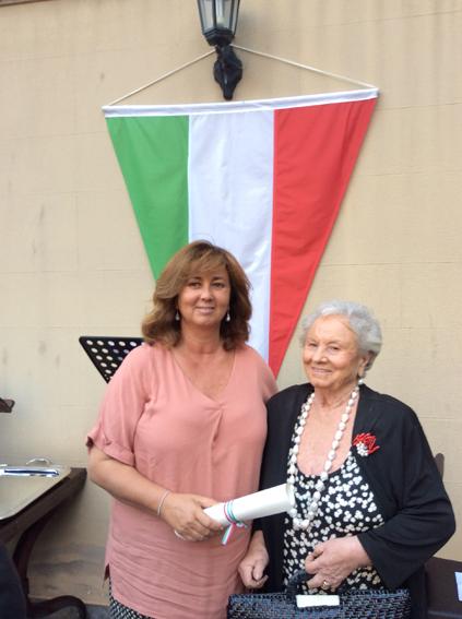 Amelia Bucalo Triglia con la mamma Giovanna, alla cerimonia dello scorso 2 giugno