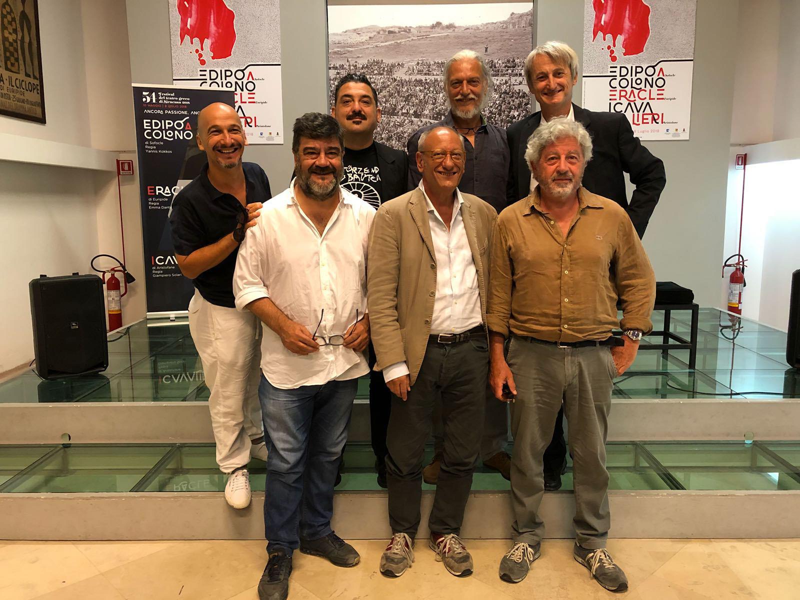Da sinistra Mancinelli, Pannofino, Solari, Catania; in alto, da sinistra Paci, Alberti e Pinelli