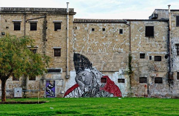 Il Papa che dorme, murales di Sten Lex in Piazza Magione a Palermo
