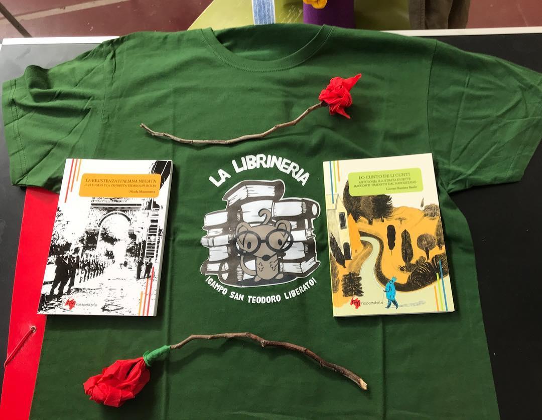 La maglietta della Librineria di Librino donata a Rossomalpelo edizioni