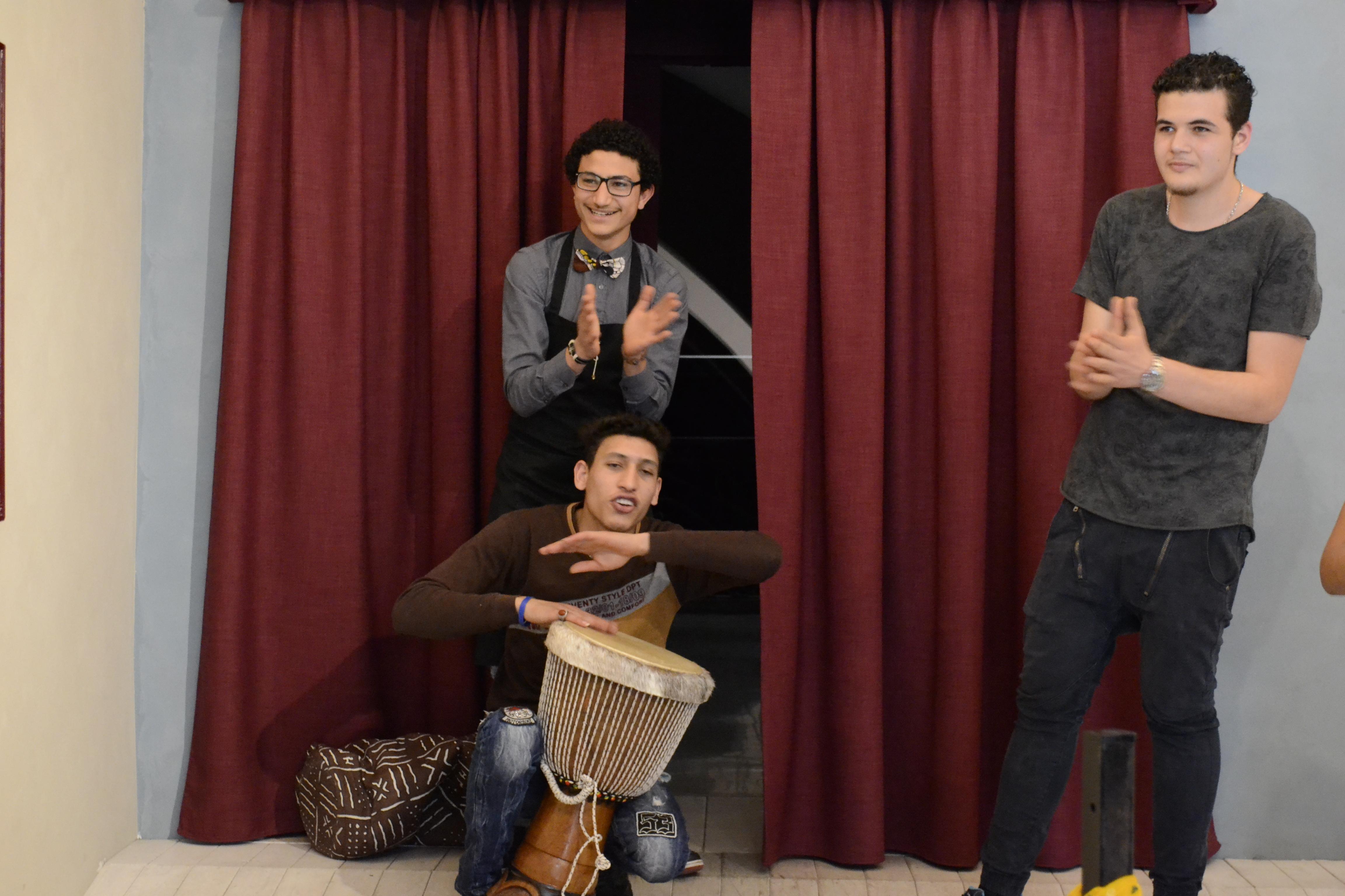 Mithat, Mustafa e Mohamed durante la presentazione del progetto, foto Renarossa