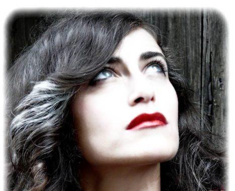 """La """"Barca Blu"""" di Cristina Russo tenta l'approdo a Sanremo"""