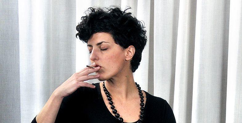 Simona Norato, una valchiria contro l'ipocrisia borghese