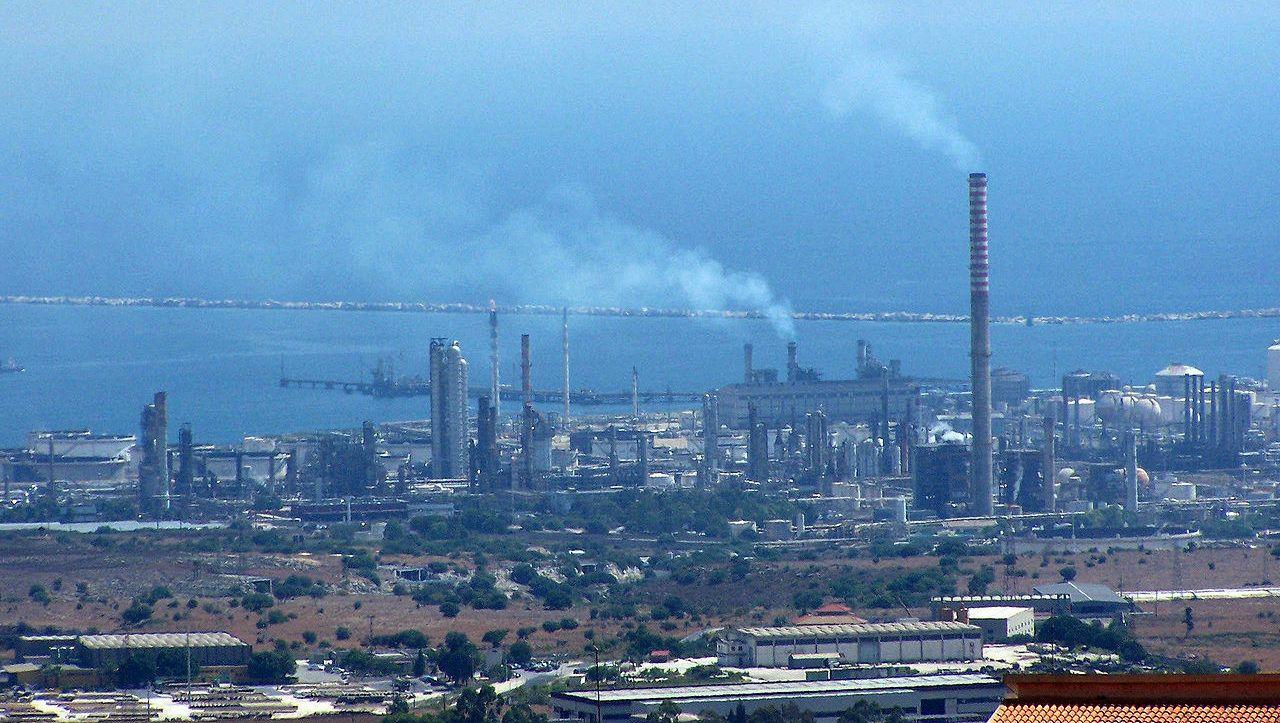 A Greta hanno rubato il futuro, in Sicilia i poli petrolchimici ci hanno rubato il passato
