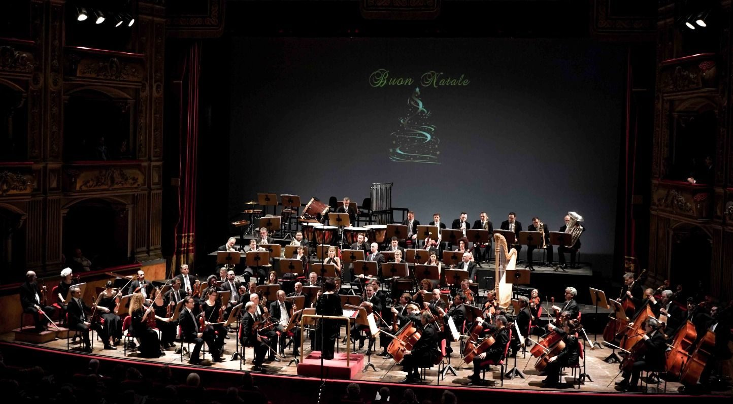 L'armoniosa eleganza dell'Orchestra diretta da Carmen Failla ha salutato il Natale al Bellini