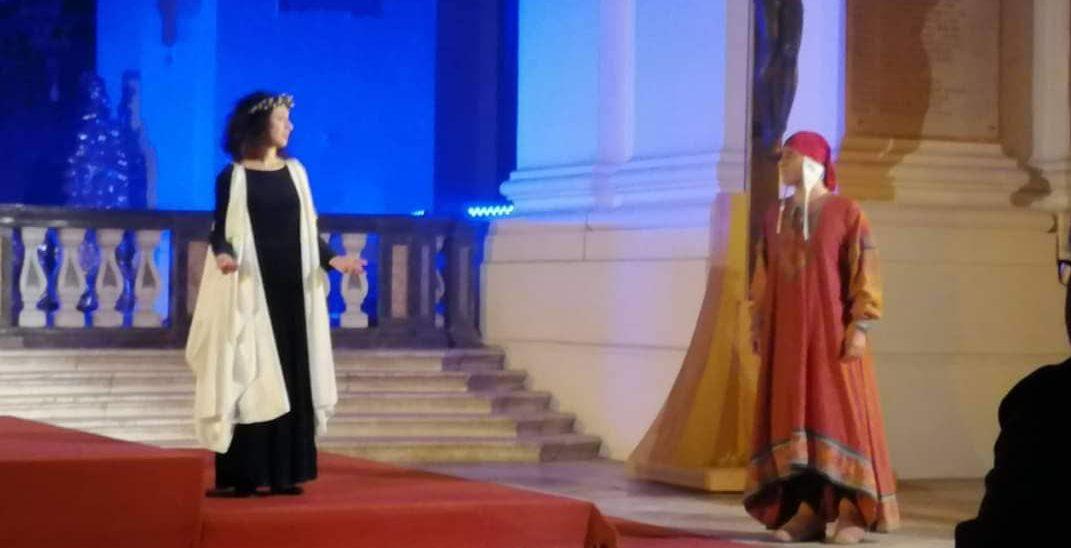 Un altare come palcoscenico per il Paradiso dantesco di Salvatore Guglielmino