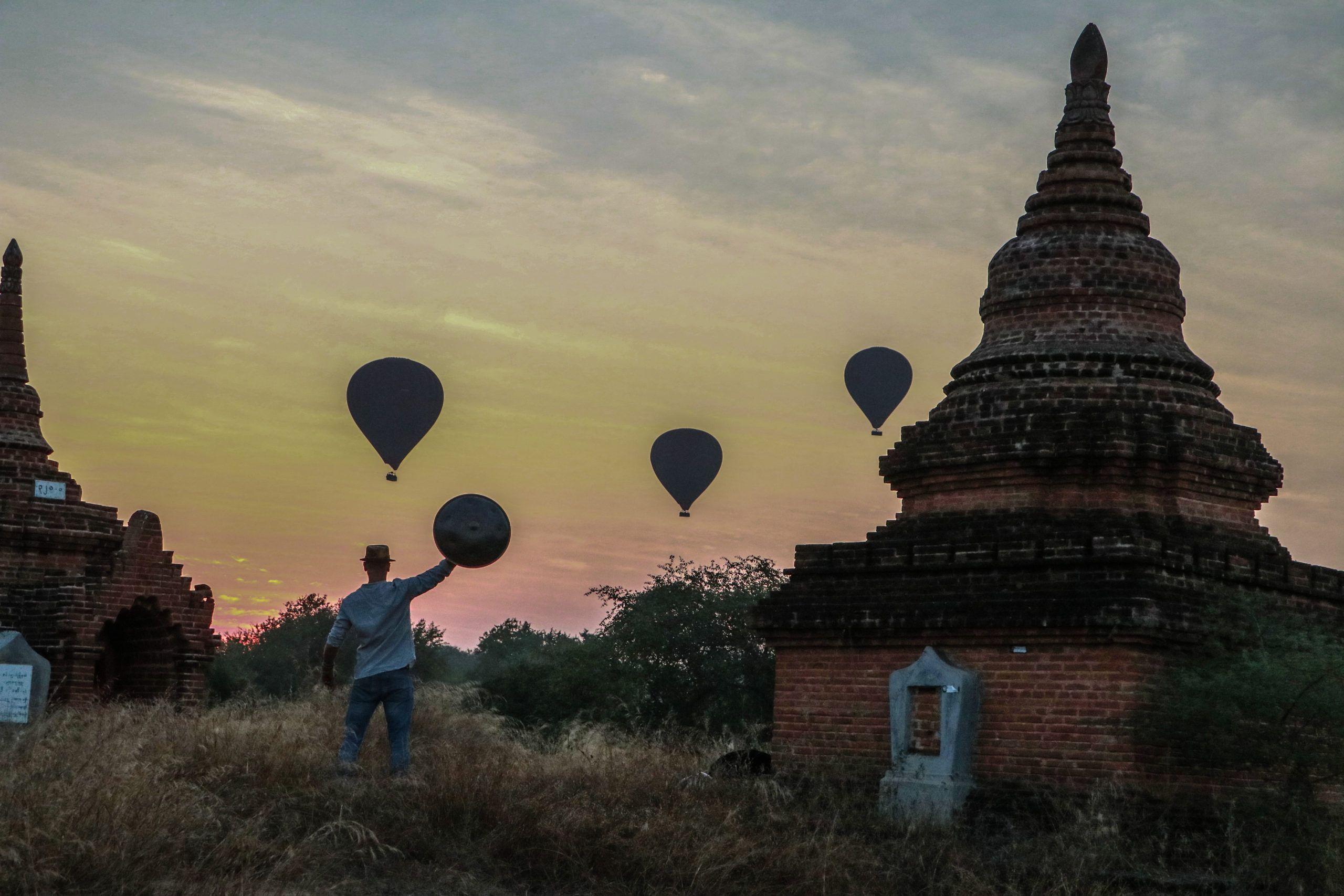 Colori mozzafiato e paesaggi persi nel tempo, ecco l'Asia al suono dell'hang drum di Marco Selvaggio
