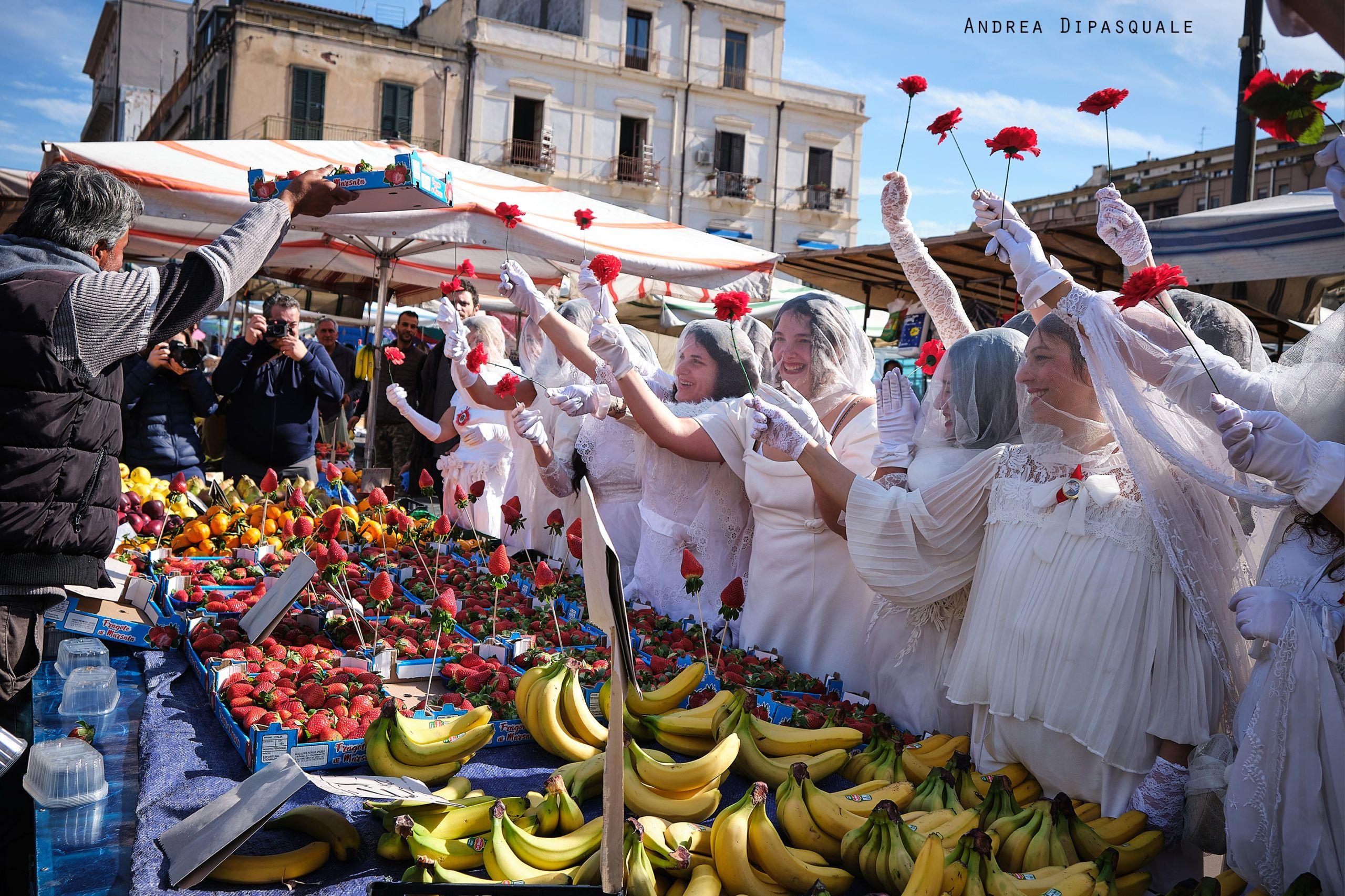 Al via le celebrazioni Agatine con la sfilata delle 'Ntuppatedde