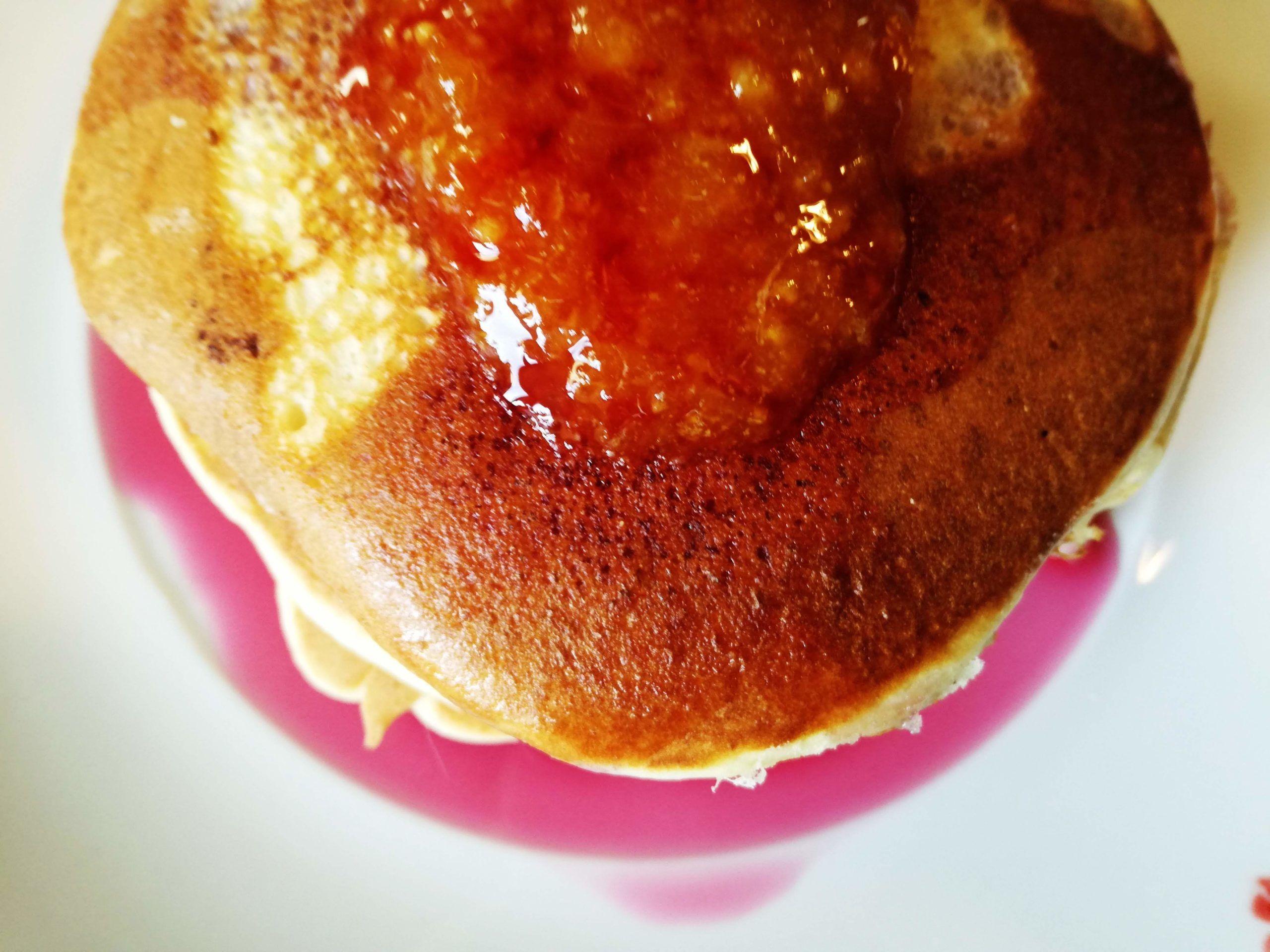 """Nella cucina di """"Scorzonera e Cannella"""" i pancakes sposano la marmellata di Marzuddi"""