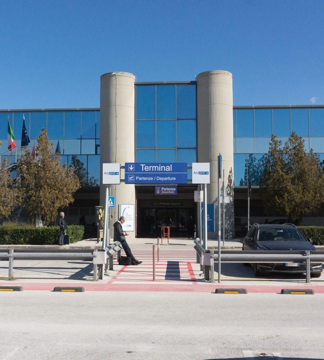 Ombra, aeroporto di Trapani: «Birgi riapre il 21 giugno ma gli aiuti ad Alitalia fanno scappare le compagnie low cost»