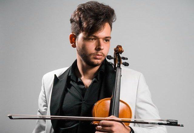 #Plateacomune, live del giovane violinista Ettore Sapienza