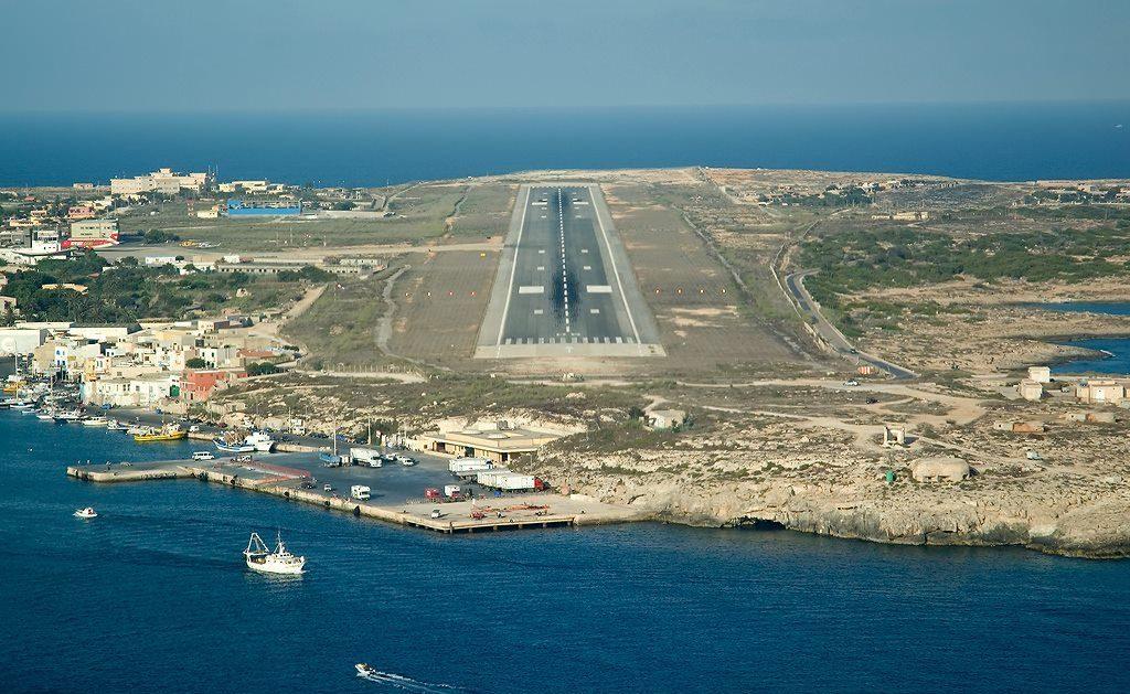 "Aereoporti ""a terra"" a Pantelleria e Lampedusa, a rischio turismo e salute dei residenti"