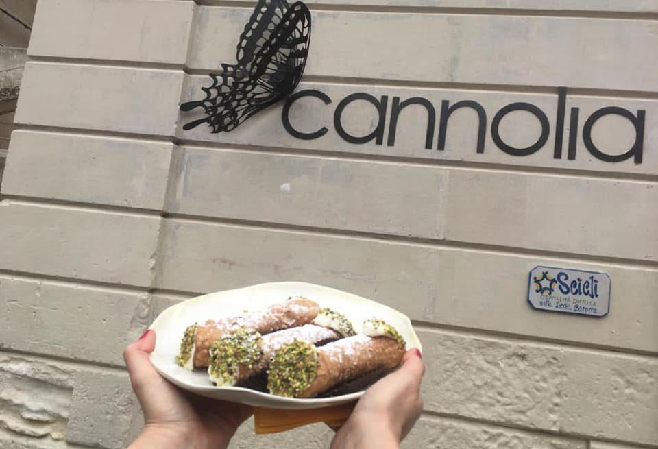 A Scicli è nato Cannolia, il dolce mondo del cannolo à la carte