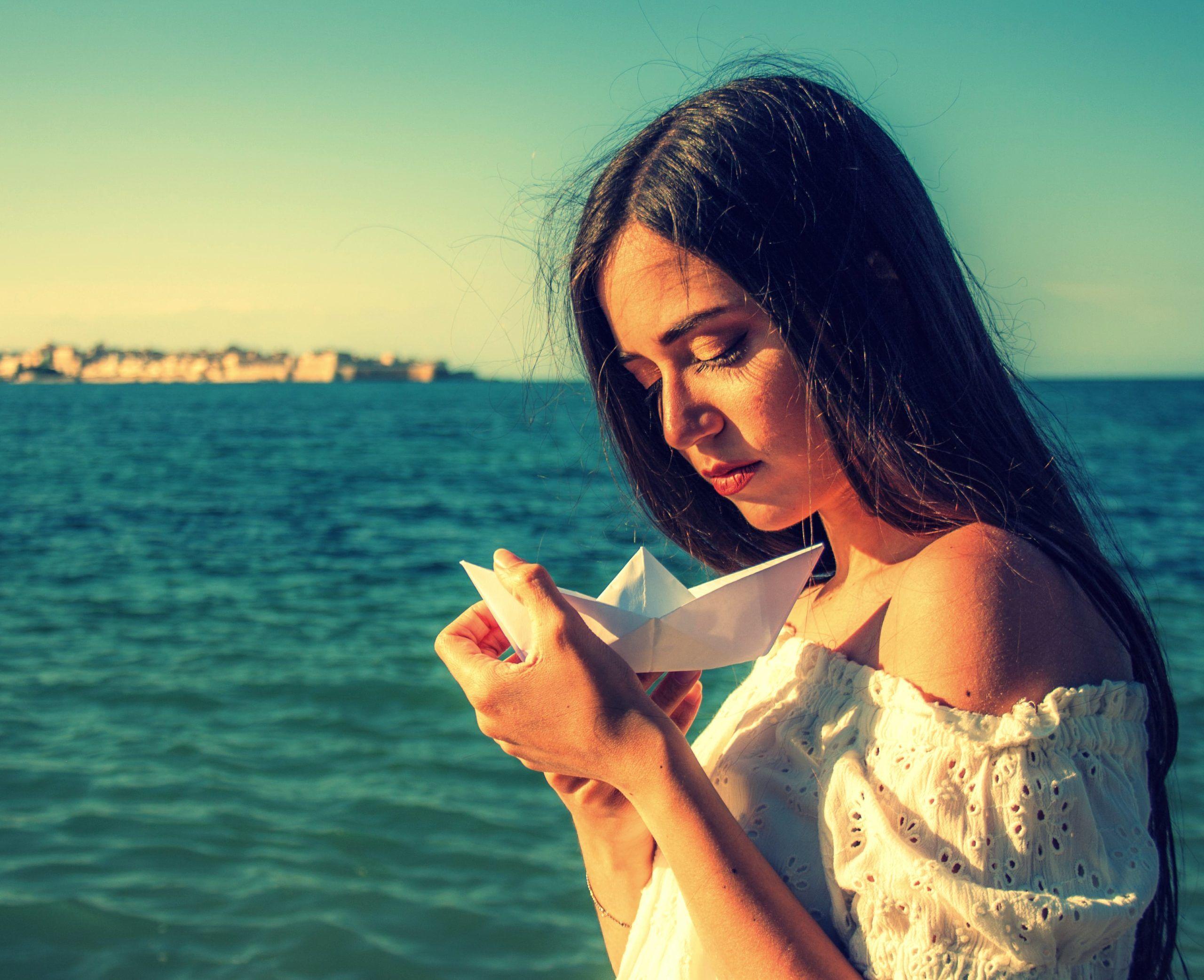 """I sentimenti sono """"Barche di carta"""" per Beatrice Romano"""