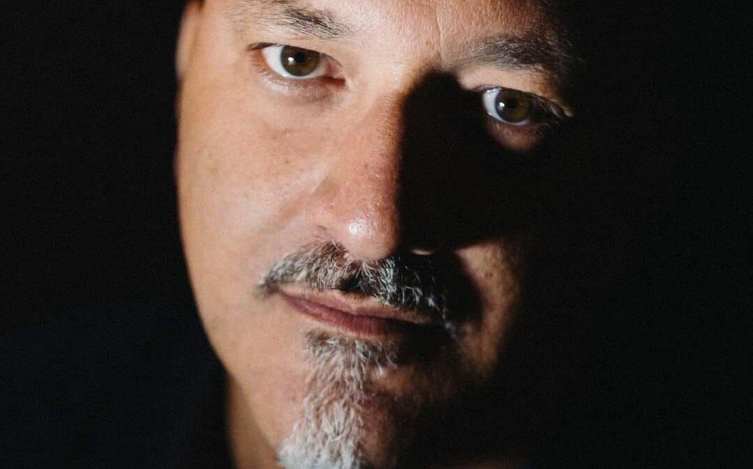 Roberto Crinò: «La poesia è estasi liberatoria che porta alla gioia»