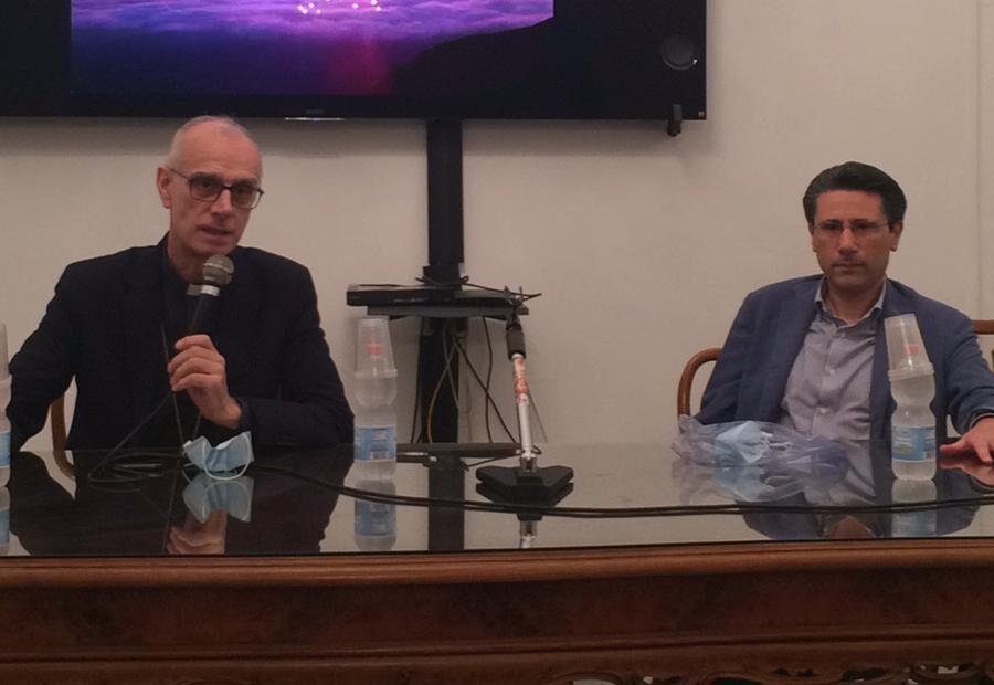 Il vescovo Raspanti: «Tecnologia e identità territoriale per la rinascita post lockdown»