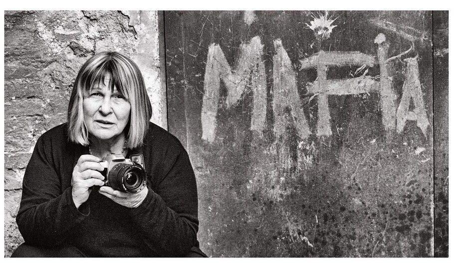 """""""Mi prendo il mondo ovunque sia"""", autobiografia di Letizia Battaglia"""