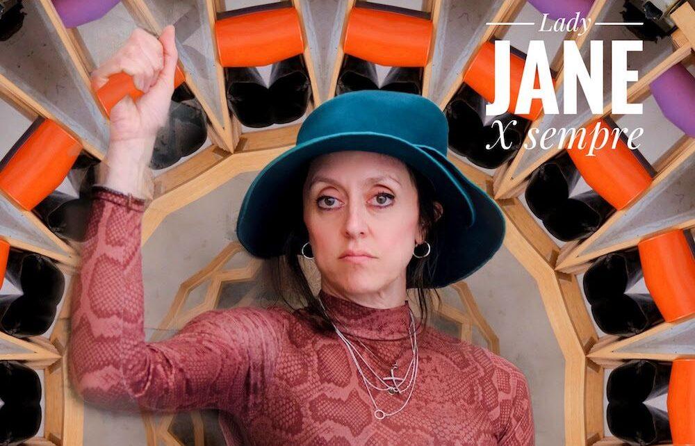 """""""Lady Jane X sempre"""", un ritmo minimale mostra la parte più intima di Cassandra Raffaele"""
