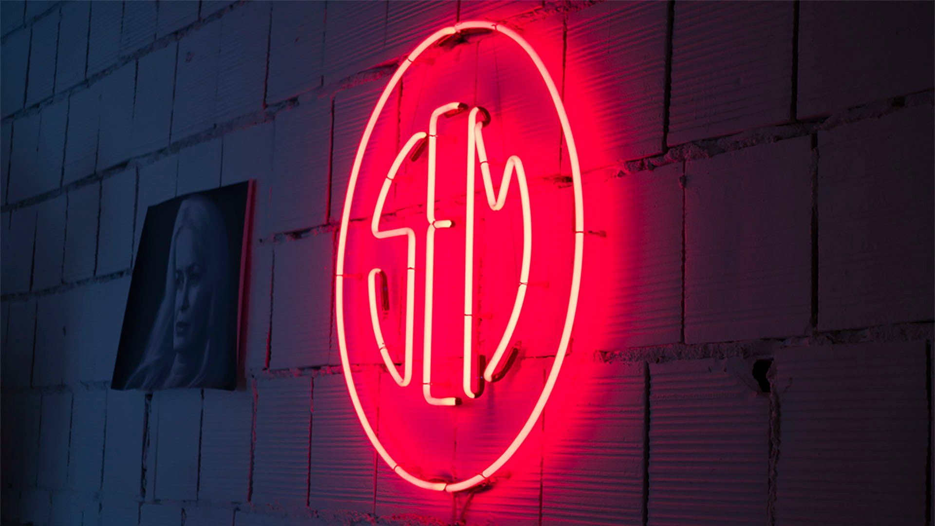 Il bellissimo logo SEM che richiama gli anni '70